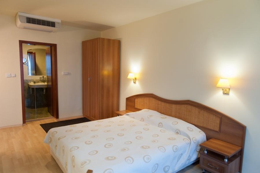 Astraea_hotel_double_room3