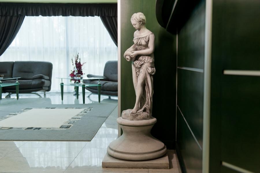Astraea_hotel_lobby
